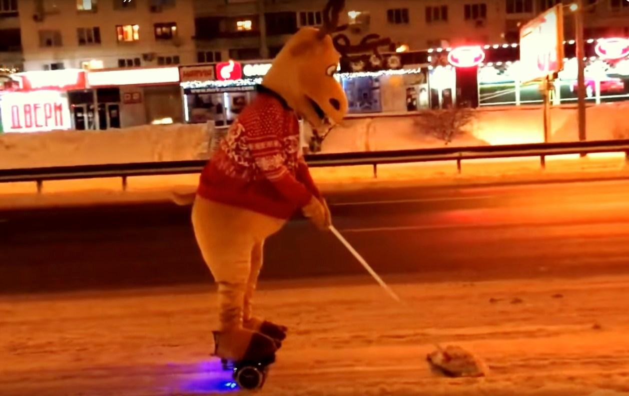 Как в Киеве чистят снег