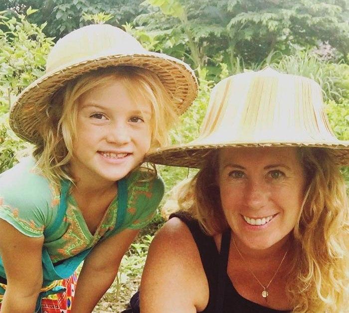 Эта мама уволилась с работы, чтобы показать 6-летней дочери мир.Вокруг Света. Украина