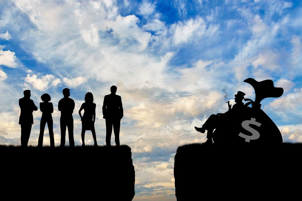 8 богатейших людей мира владеют состоянием равным богатству половины человечества.Вокруг Света. Украина