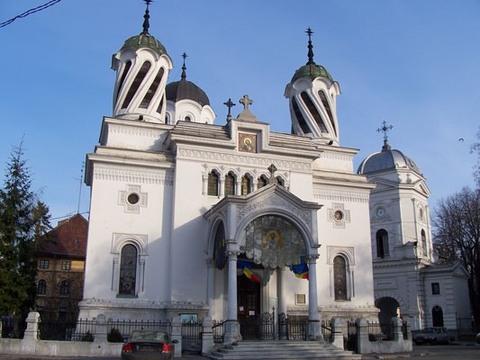 «Пьяная церковь» в Черновцах