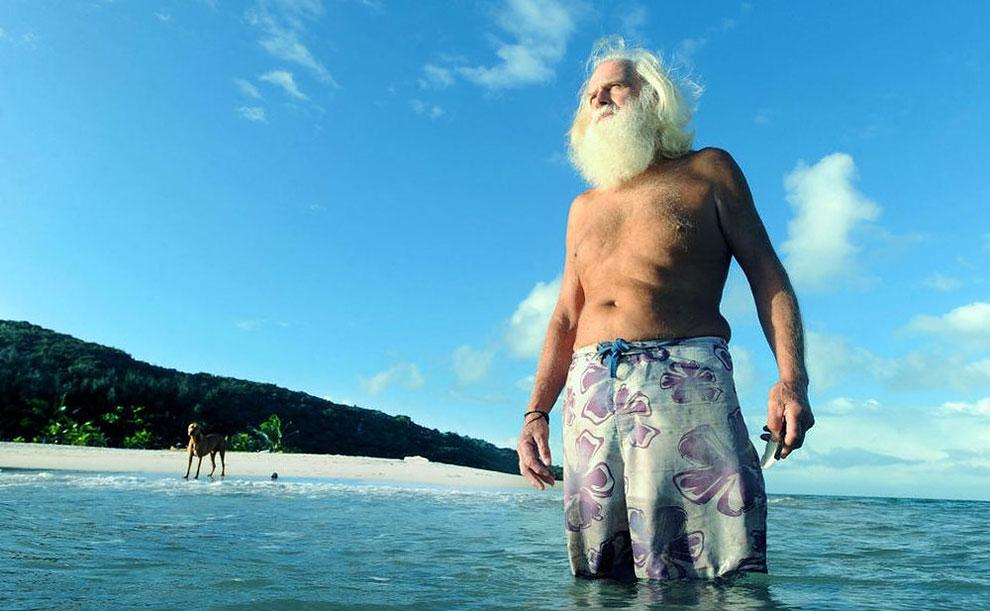 Разорившийся миллионер живет на необитаемом острове