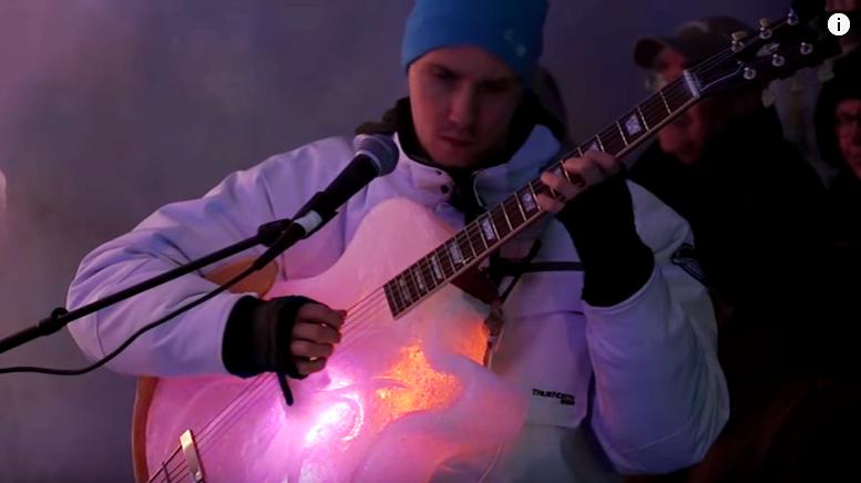 Музыкальные инструменты изо льда
