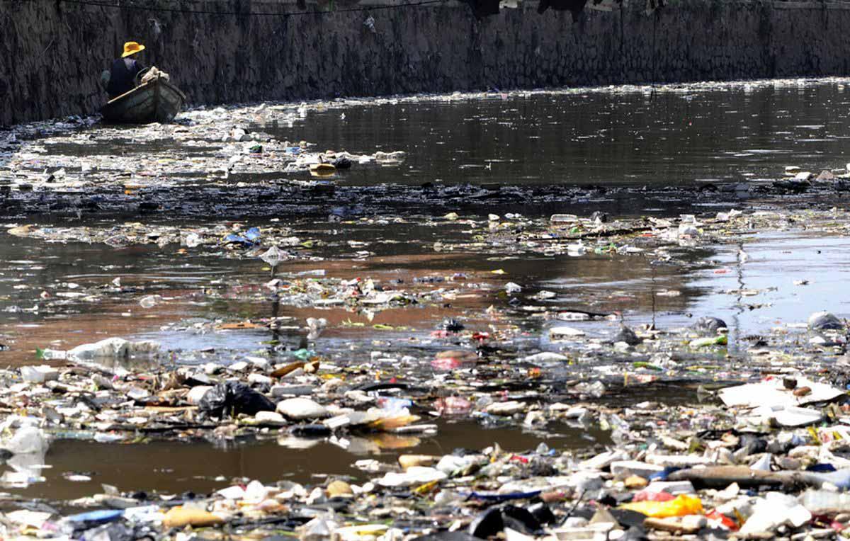 Самый грязный водоем в мире.Вокруг Света. Украина
