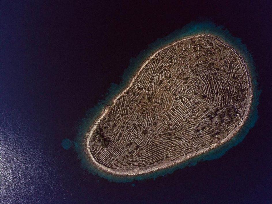 Остров в форме отпечатка пальца