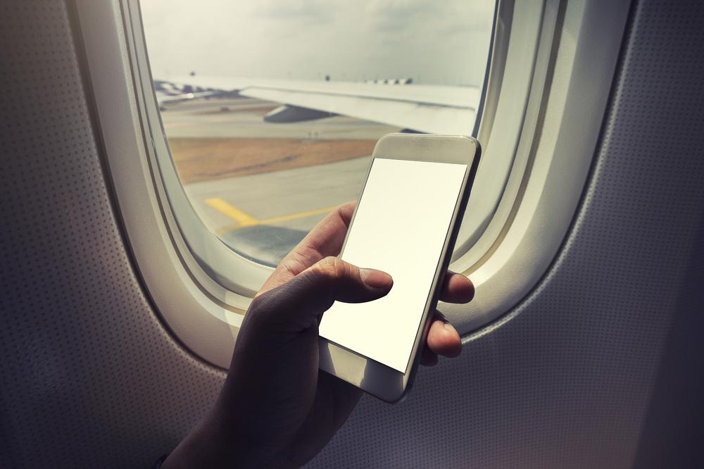 Запрет на электронику в самолетах США и Британии: что это значит