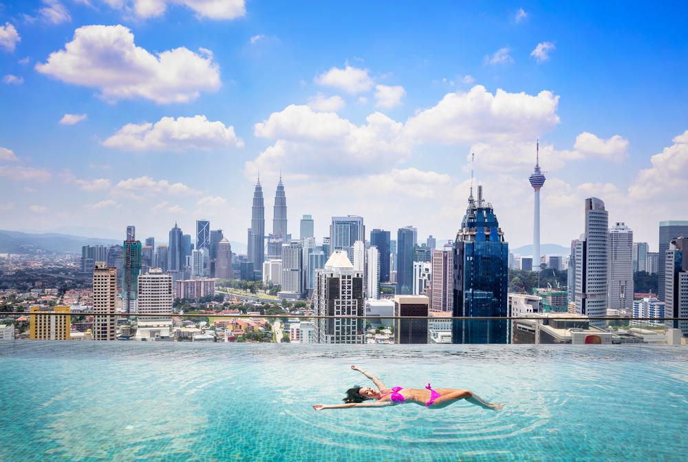 10 лучших в мире панорамных бассейнов