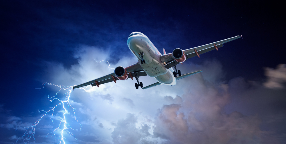 Что будет, если в самолет ударит молния?.Вокруг Света. Украина