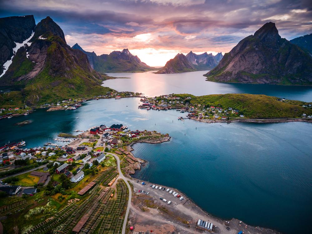 Норвегия стала самой счаcтливой страной на Земле.Вокруг Света. Украина