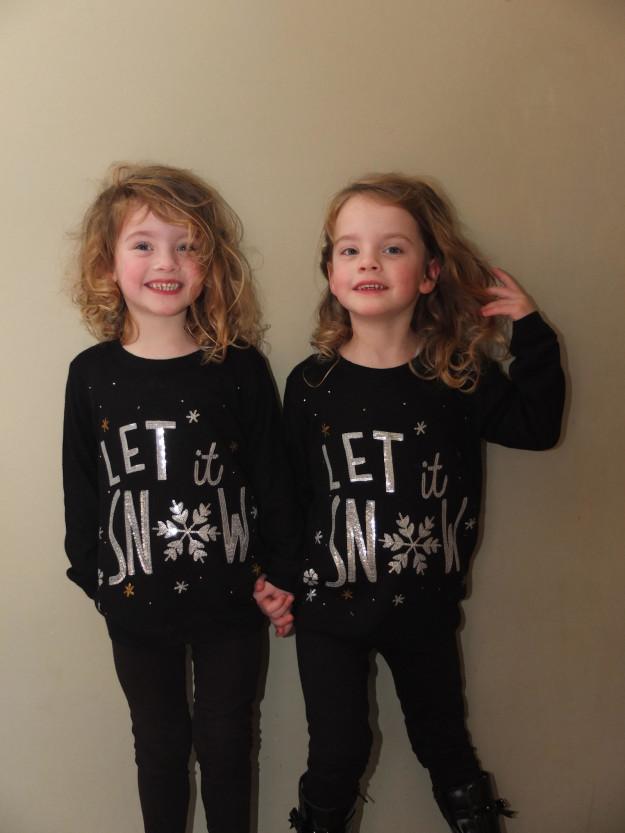 Отец превратил дочерей-близнецов в воплощенный кошмар из романа Стивена Кинга