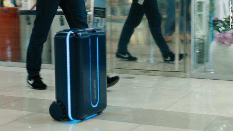 Смарт-чемодан, который ездит за вами, как собачка