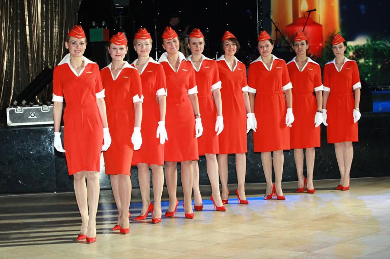 Худей или плати штраф: в России суровые требования к стюардессам.Вокруг Света. Украина