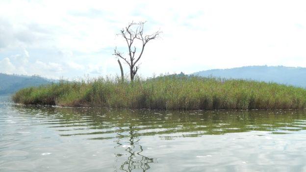 В Уганде беременных отправляют на необитаемый остров