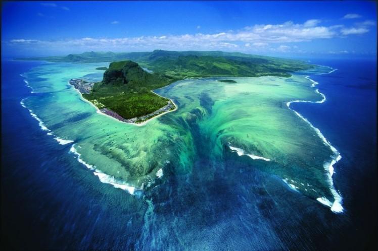 Подводный водопад: как это может быть?