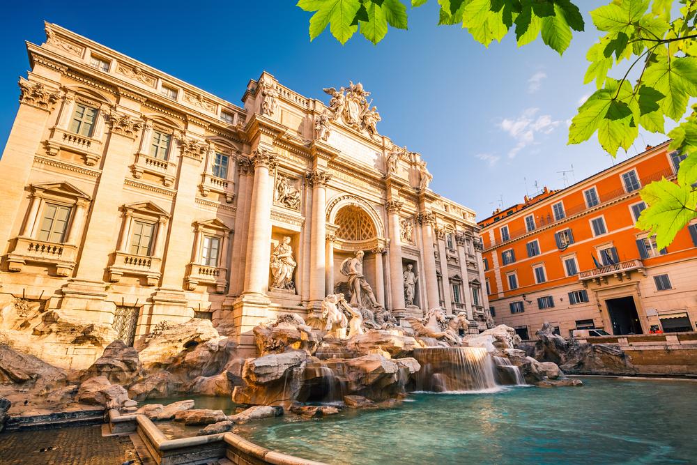 За «неуважение» к римскому фонтану двум туристам пришлось заплатить €900 штрафа