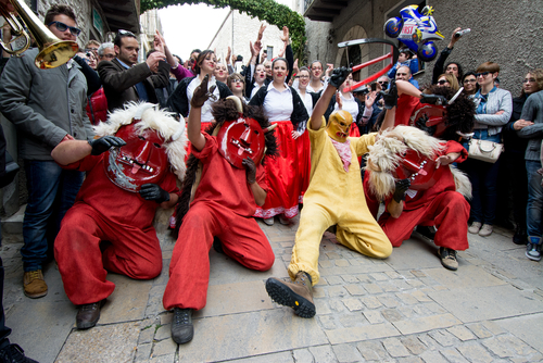 10 самых интересных пасхальных традиций со всего мира