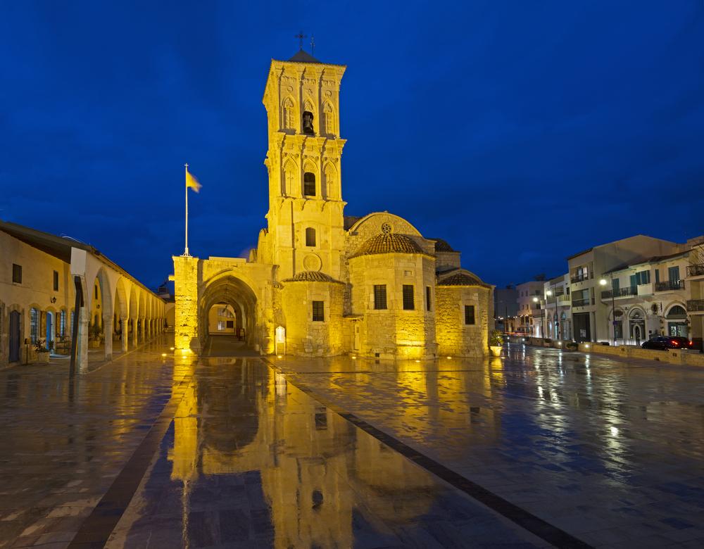 Запускать небесные фонарики и болеть по ночам –  9 табу на Кипре