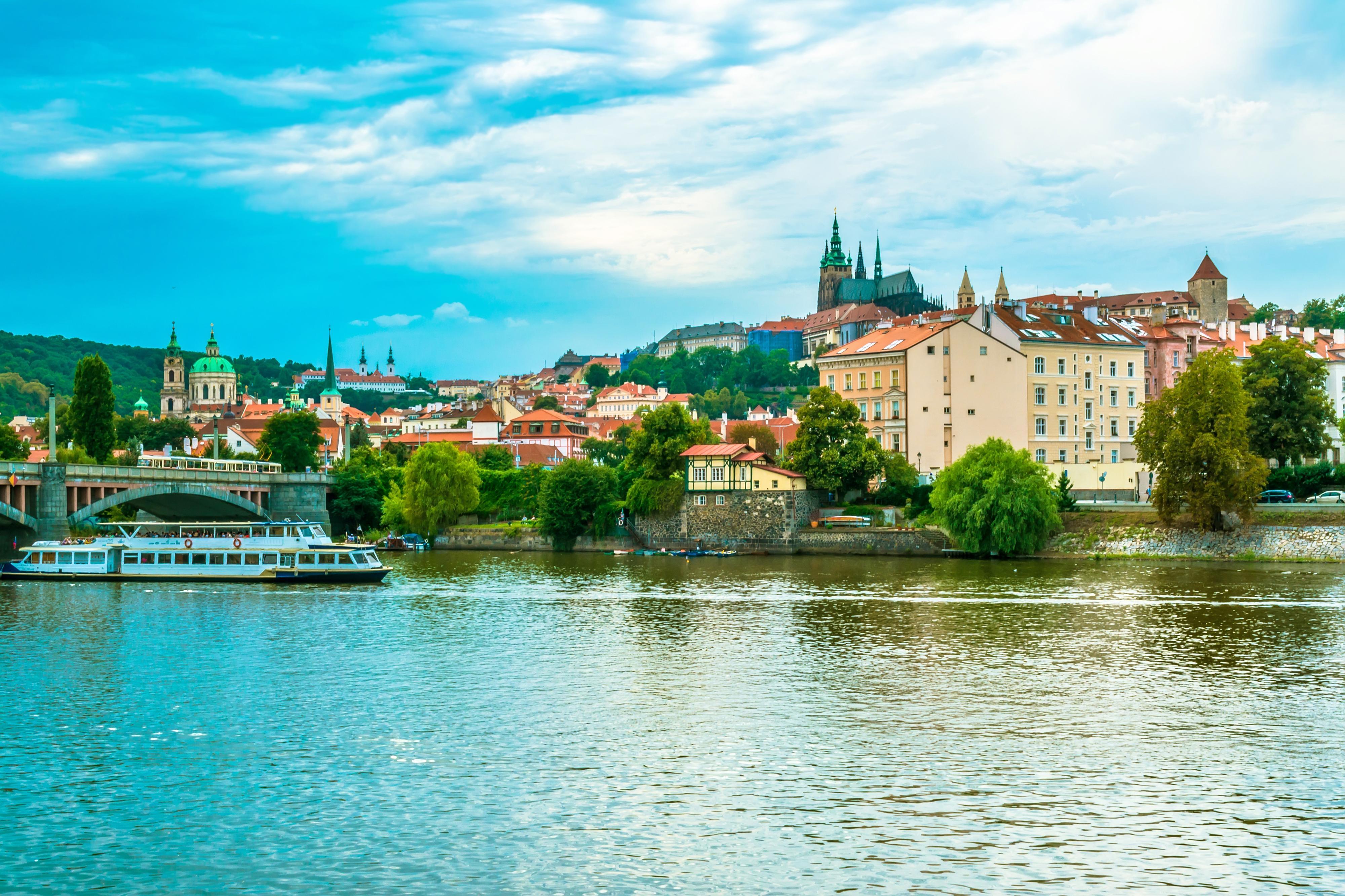 Изысканные пейзажи, классическая музыка и пиво: чем очаровывает Прага в мае.Вокруг Света. Украина