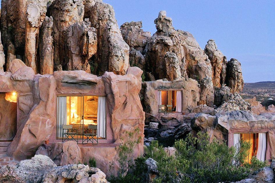 Невероятный отель, где стены номеров украшены древними наскальными рисунками