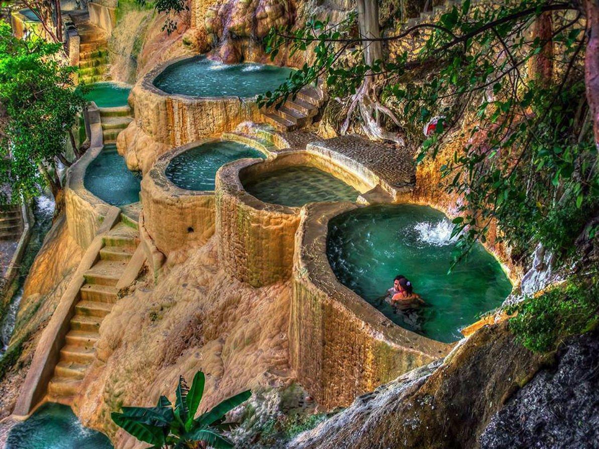 Панорамный бассейн на вулкане