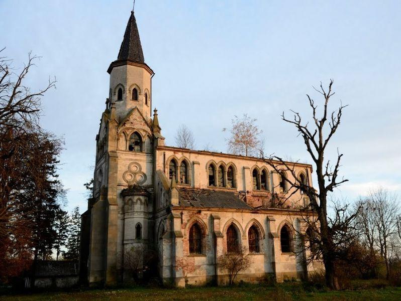 Таинственный заброшенный костел в Тернопольской области