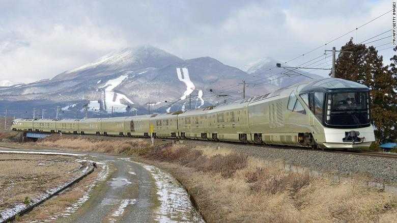 Самый шикарный поезд в мире: с пианино, ванными и мишленовским рестораном.Вокруг Света. Украина