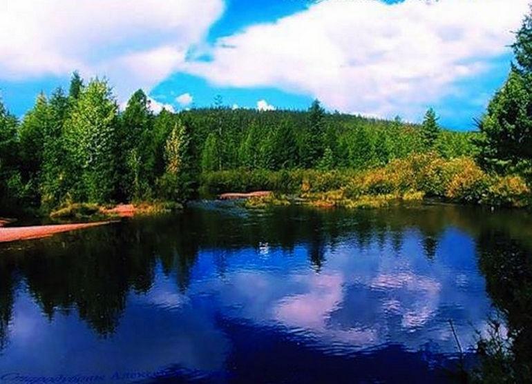 Озеро, в котором вместо воды – настоящие чернила