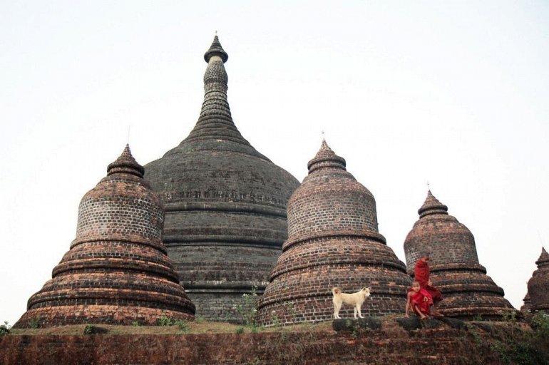 Как крестьяне Мьянмы пасут коз на 500-летних руинах.Вокруг Света. Украина