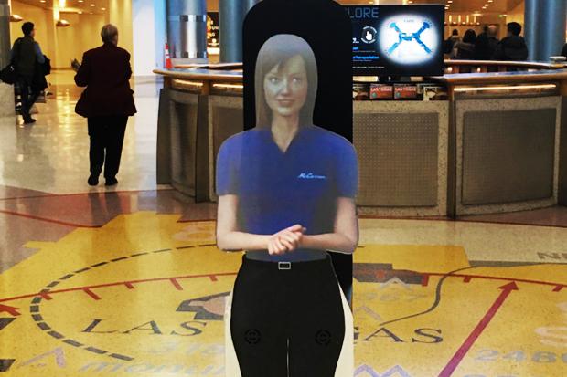 В аэропорту Лас-Вегаса пассажирам помогают сотрудники-голограммы