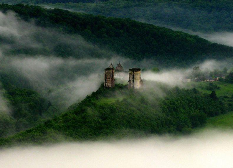Червоноградский замок: сокровища, призраки и зал правосудия