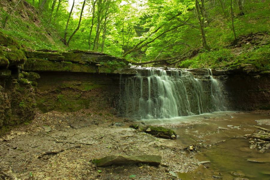 Русилов – уникальный и красивейший каскад водопадов в Украине