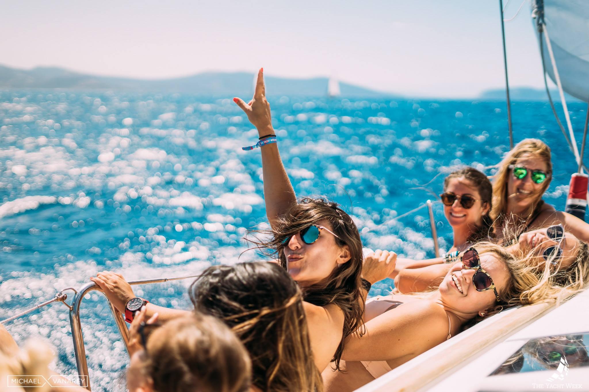 Летняя Ибица: маршрут для самых веселых яхтсменов