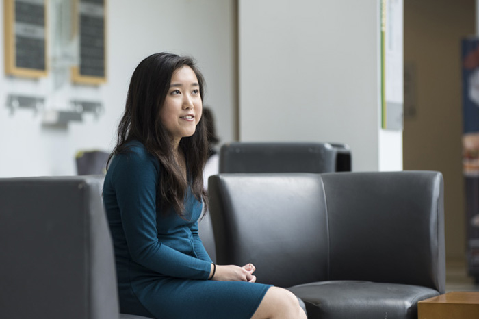 Роман с математикой: гениальная девочка стала магистром в 17 лет