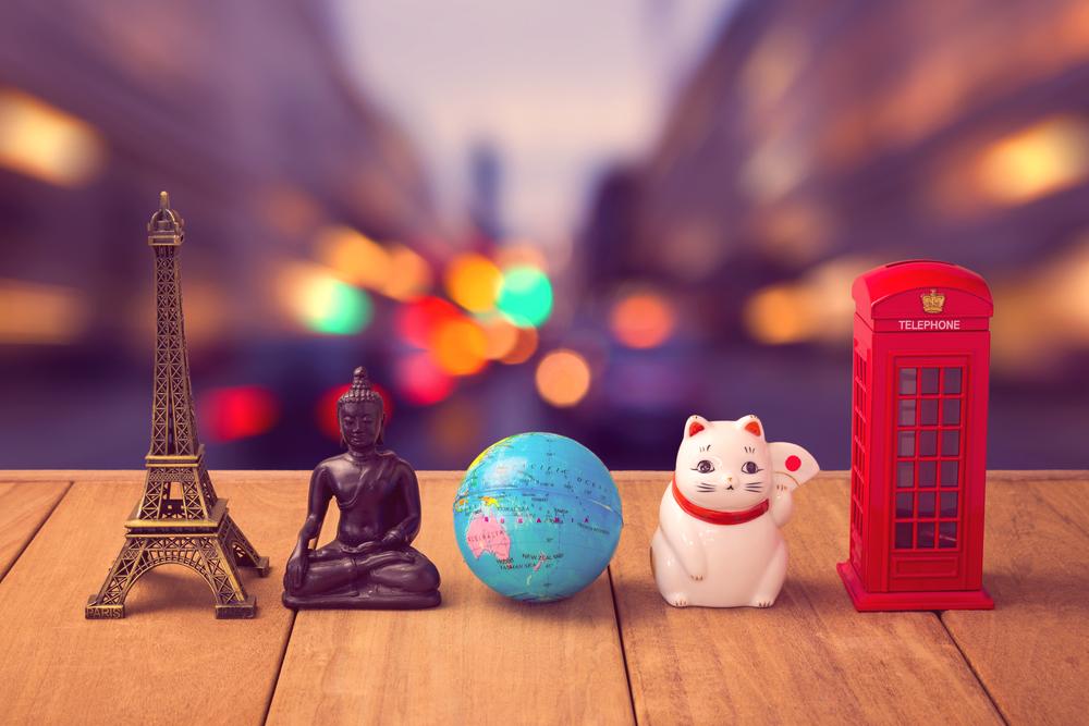20 самых популярных сувениров со всего мира