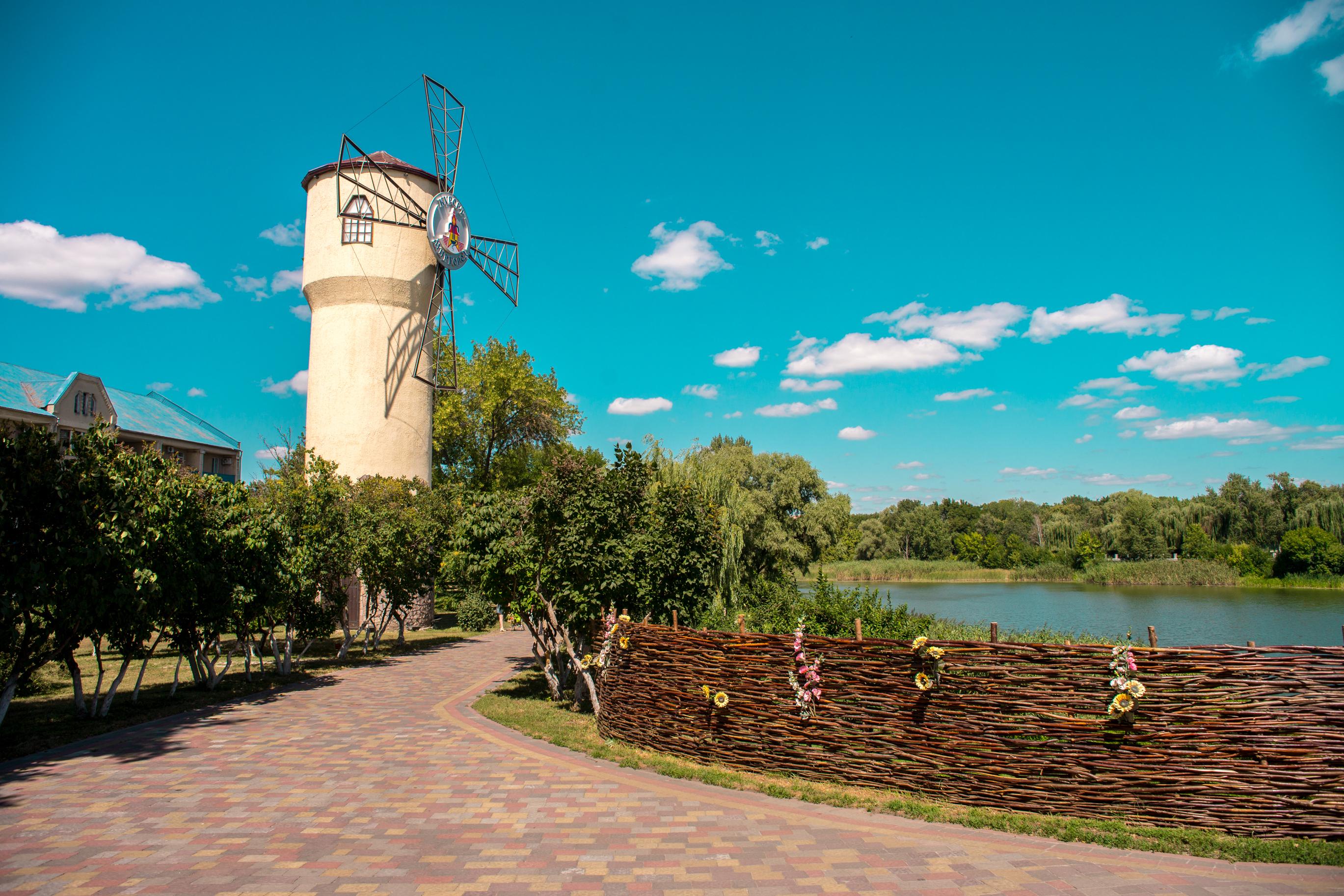 Очаровательный Миргород: целебные воды и Гоголевские места