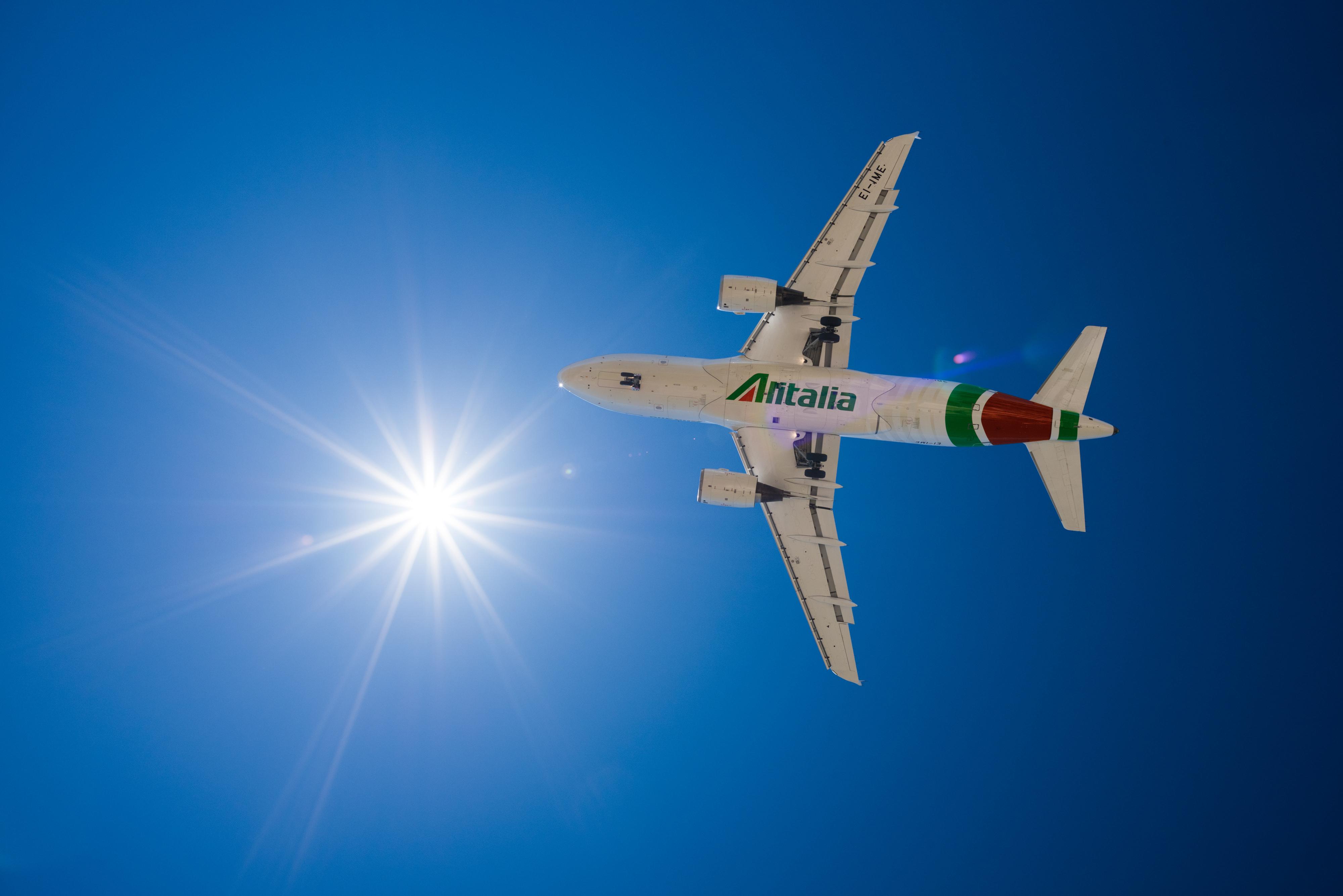 Вовращение Alitalia: крупнейшая итальянская авиакомпания снова летает в Киев.Вокруг Света. Украина