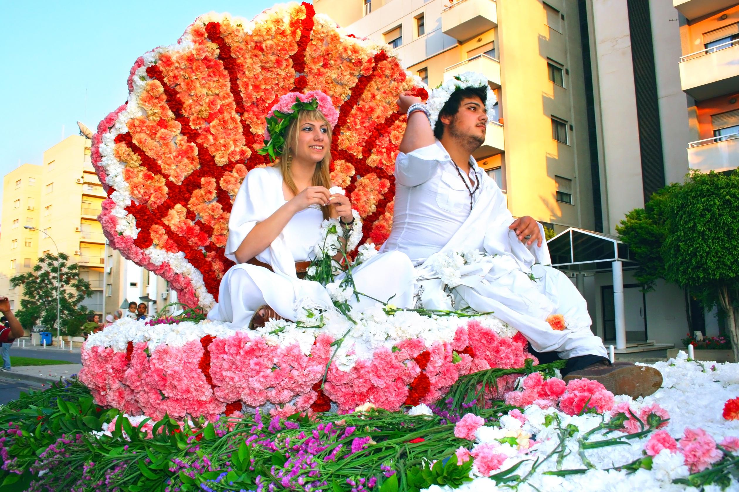 Сегодня на Кипре отмечают древний праздник цветов и весны