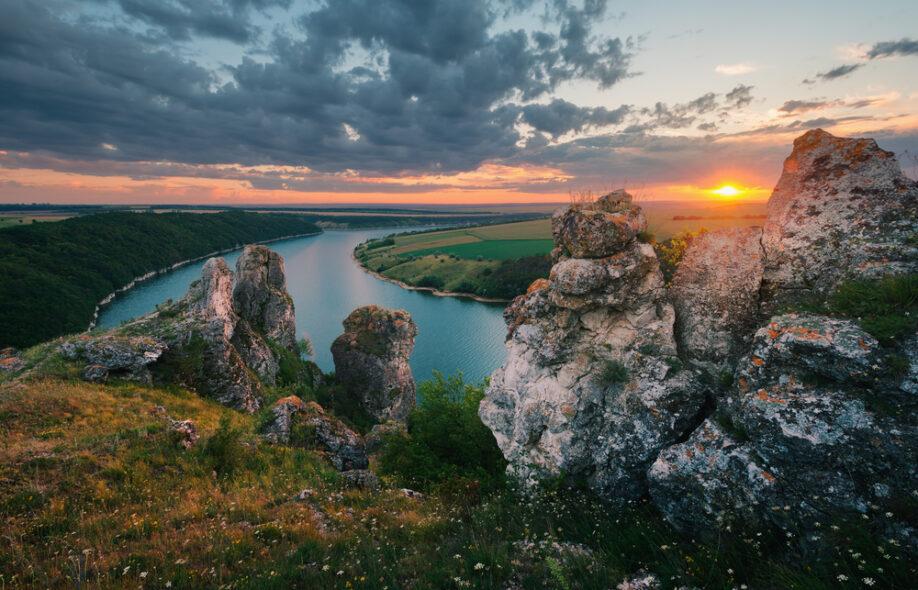 заставляют умных известные места украины фото должны