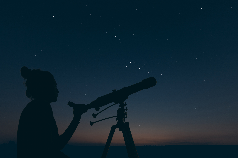 Астрономы зафиксировали загадочный сигнал из созвездия Льва