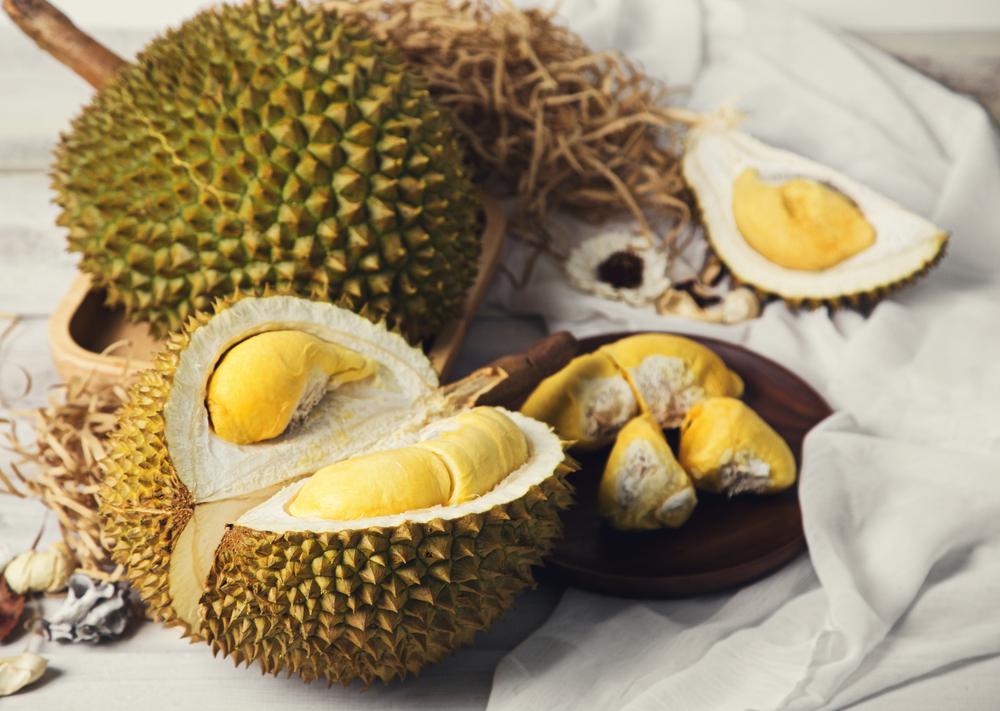Дуриан – самый вонючий в мире фрукт, заменяющий одеяло