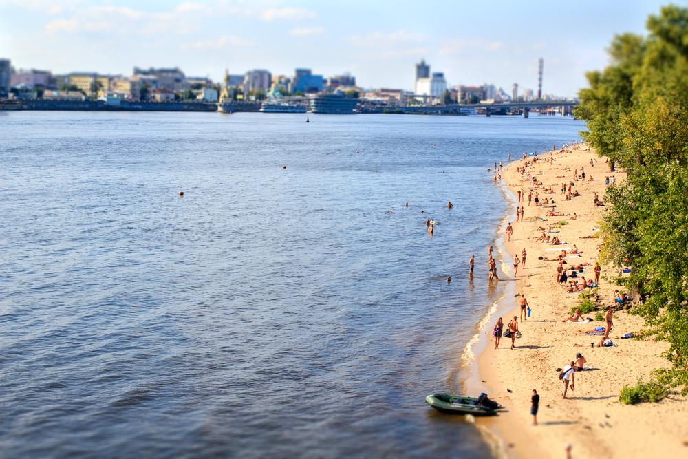 К началу купального сезона в Киеве откроют 11 пляжей