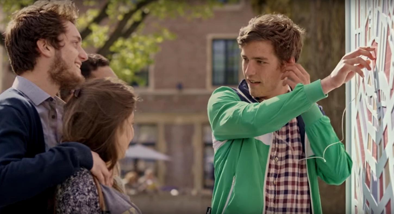 Как звучат Париж, Амстердам и Брюссель