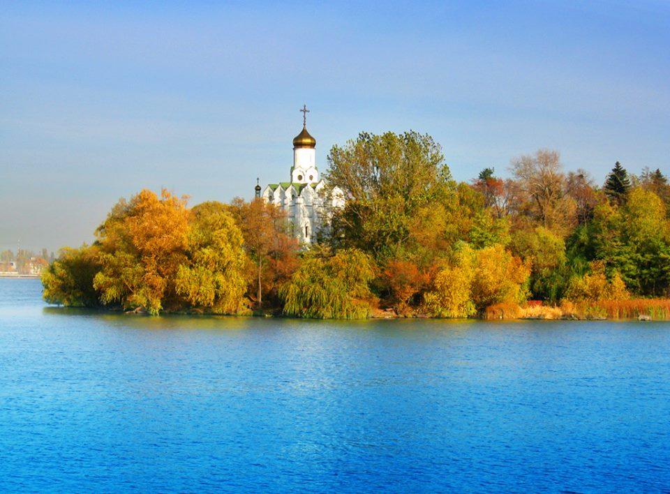 Монастырский остров – самый романтический и таинственный уголок Днепра