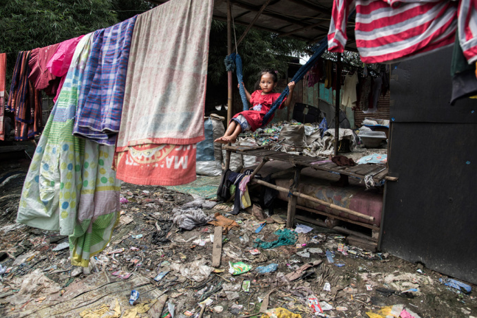 Бантар Гебанг: люди, живущие на свалке