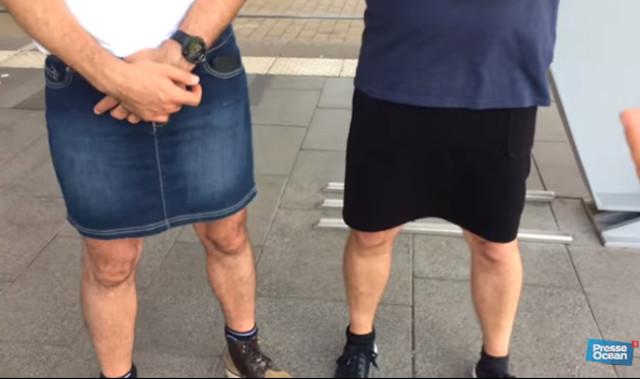 К канкану готовы: во Франции шоферы пришли на работу в юбках