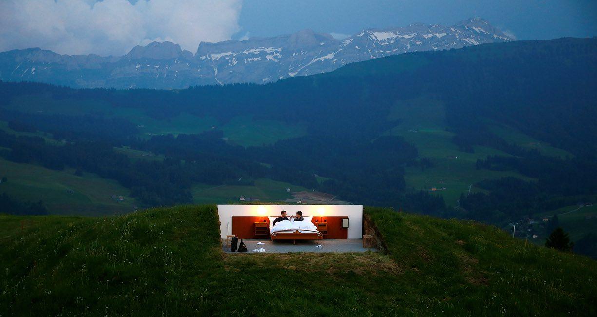 Спальня под открытым небом в Швейцарских Альпах