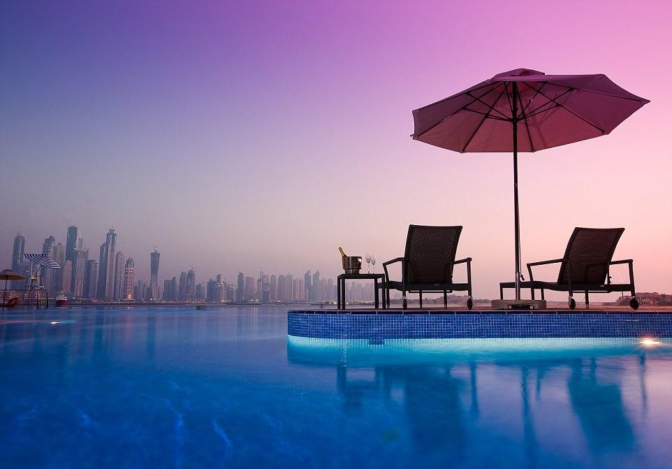 Гармония цвета в Дубае