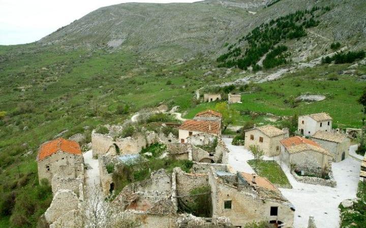 Средневековый город в Италии продают по цене квартиры в центре Киева