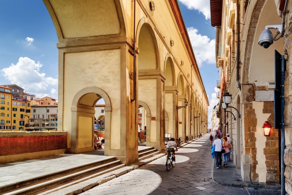 Во Флоренции туристов будут «ставить на место» с помощью воды