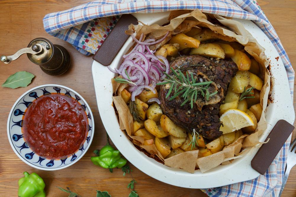 Варенье из помидоров и халва из манки: что едят в Греции