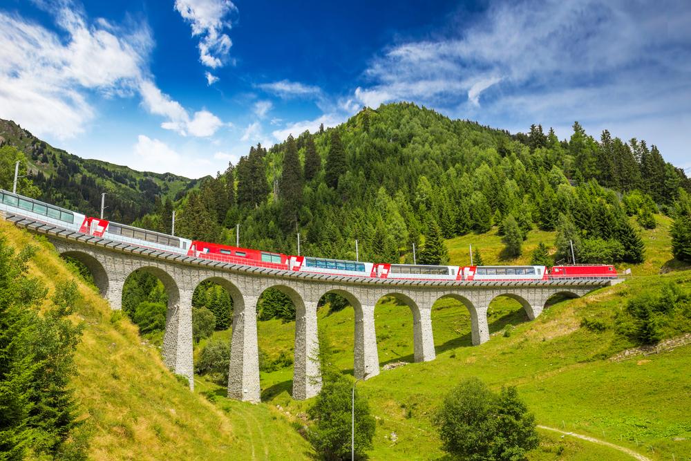 Самые жуткие участки железной дороги в мире